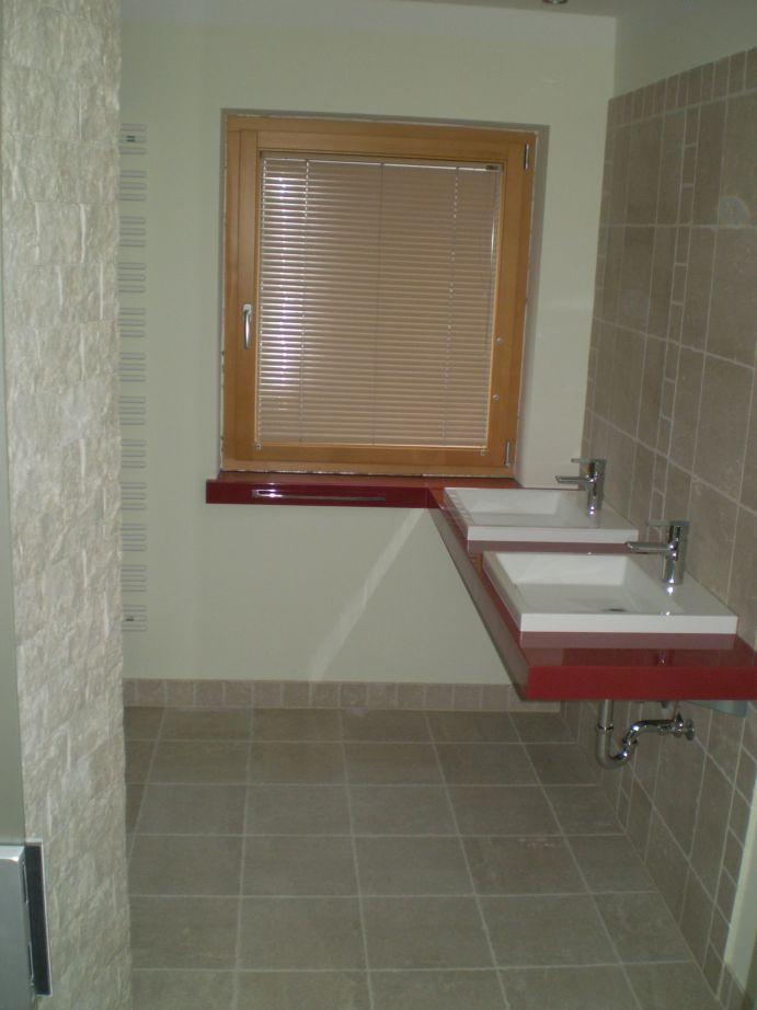Fliesen im Badezimmer vom Fliesenleger Hopf